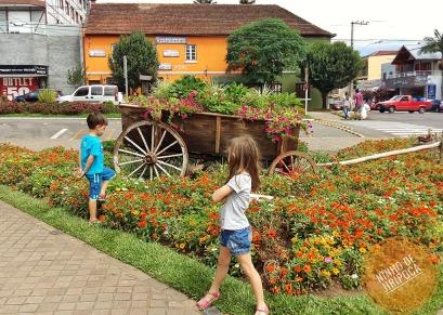 Praça das Flores Nova Petropolis