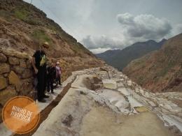 Visita as Salineras de Maras no Peru com crianças