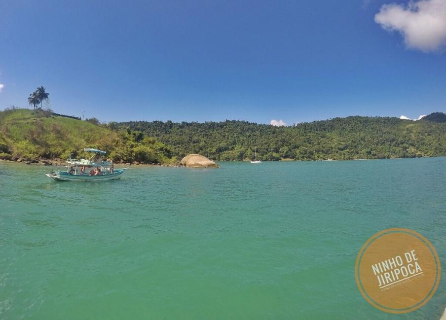 Passeio de barco privado com crianças em Paraty